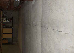 Concrete Crack Repair Wall Reconstruction